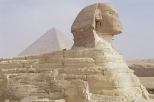 The Sphinx and Chephren pyramid beyond, Giza, UNESCO World Heritage Site