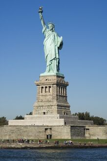 <b>Statue of Liberty</b><br>Selection of 272 items