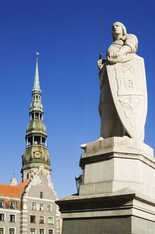 Statue of Roland and St Peter's church in the old town square