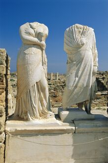 Statues of Cleopatra and Dioscrides