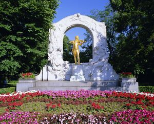 Strauss monument in Stadt park, Vienna, Austria, Europe