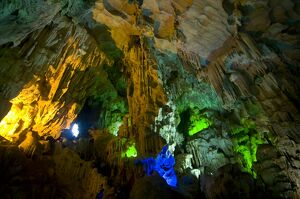 Sung Sot Cave, UNESCO World Heritage Site, Halong bay, Vietnam, Indochina