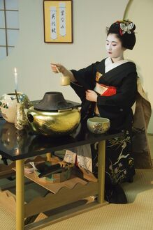 Tea ceremony by a Maiko (trainee geisha)