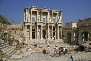 Tourists visiting the Roman Library of Celsus dating