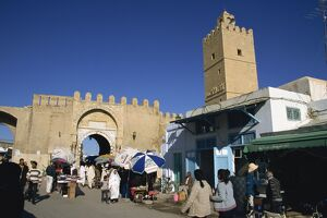 Walls of the Medina, Medina, Kairouan, Tunisia, North Africa, Africa