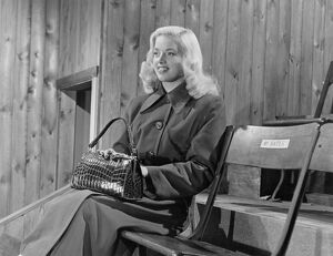 Diana Dors in Maurice Elvey's The Great Game (1953)