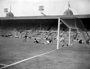 FA Cup Final Victory, Wolves vs Blackburn, Deeley scores third goal