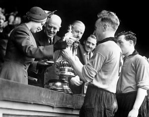 FA Cup Final, Wolves vs Leicester City, Billy Wright presented with the trophy