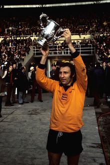 League Cup Final, Wolves vs Manchester City, Mike Bailey holds trophy