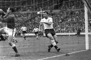 1961 Cup Final: Spurs 2 Leicester 0