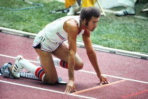 Alberto Juantorena in the blocks before the 400m Final at the 1976 Olympics