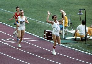 Alberto Juantorena wins 800m gold at the 1976 Montreal Olympics