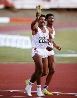 Daley Thompson wins gold at the 1982 Brisbane Commonwealth Games
