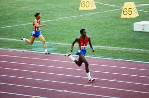 Edwin Moses wins the 400m hurles gold at the 1976 Montreal Olympics