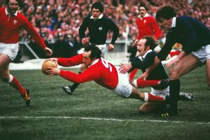 Gareth Edwards scores his last try for Wales in 1978