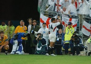 Jason Robinson celebrates scoring his try in the 2003 World Cup Final