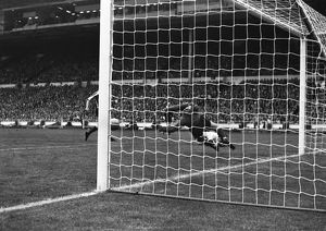 Jim Montgomery makes his famous double save in the 1973 FA Cup Final