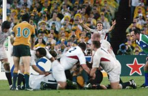 Jonny Wilkinson directs play during the 2003 World Cup Final
