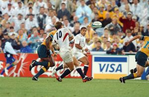 Jonny Wilkinson gives the pass which sets up Jason Robinson's try in the 2003
