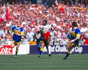 Martin Offiah on the way to scoring his famous try in the 1994 Challenge Cup Final