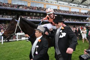 Peter Moody congratulates Luke Nolan after Black Caviar's victory at Royal Ascot