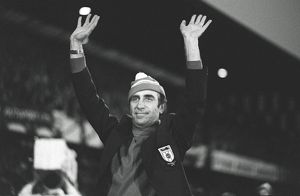 Sunderland manager Bob Stokoe waves to the Roker Park crowd.