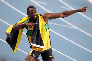 Usain Bolt celebrates his 200m gold medal