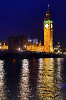 Big Ben and Houses of Parliament at night in London