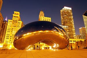 City skyline in the Cloud Gate Sculpture, Chicago, Illinois, America