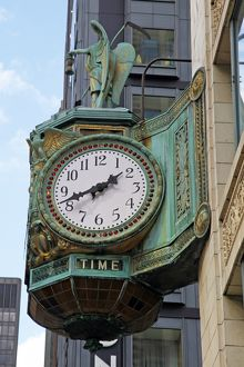 Clock on the Jewelers Building, Chicago, Illinois, America