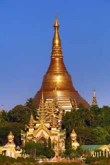 Gold stupa of the Shwedagon Pagoda, Yangon, Myanmar