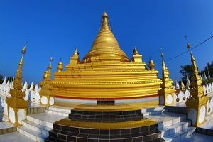 Golden stupa at Sandamuni Pagoda, Mandalay, Myanmar (Burma)