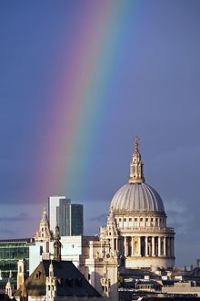 <b>Rainbow in London</b><br>Selection of 4 items
