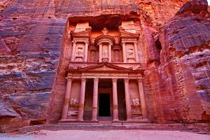 View of the Treasury, Al-Khazneh, Petra, Jordan