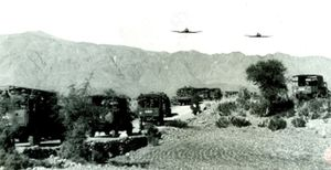 Naval and RAF pilots in converstaion, British Army and RAF in India prior to Partition