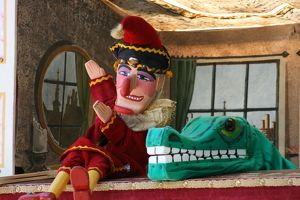 Mr Punch and the crocodile