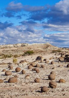 cancha bochas bowls pitch rock formation ischigualasto