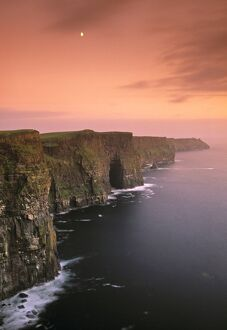 <b>Cliffs of Moher</b><br>Selection of 14 items