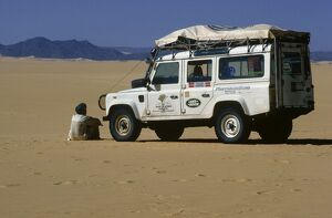 Expedition vehicle in the Tenere region of the central Sahara