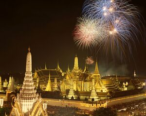 Grand Palace (Wat Phra Kaeo) / Fireworks / Night View
