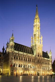Grand Place / Town Hall / Night View