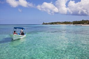 Honduras, Bay Islands, Roatan, West Bay