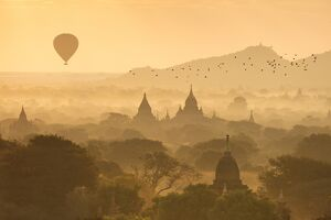 oriental flavours/hot air balloons fly temples bagan sunrise misty