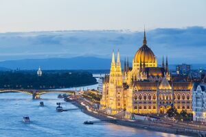 Hungary, Central Hungary, Budapest. Chain Bridge and the Hungarian Parliament Building