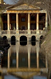 Italy, Veneto, Vicenza, Western Europe; 'Loggetta Valmarana' on a canal which today forms part of one of the public gardens in