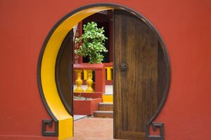 Reunion Island, St-Pierre, Chinese temple doorway