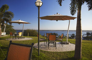 new/20191004 awl 7/tables chairs grounds hotel cardoso maputo