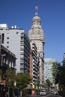 Uruguay, Montevideo, Avenida 18 de Julio avenue and Palacio Salvo building