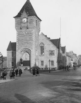 Burgh Chambers and War Memorial, Cornhill Square, Galashiels