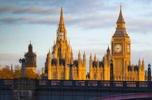 UK, England, London, Houses of Parliament, Big Ben and Lambeth Bridge